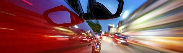 auto-a-gran-velocidad1