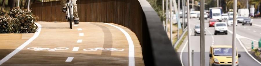 El-carril-bici-que-conduce-has_54438040208_51351706917_600_226