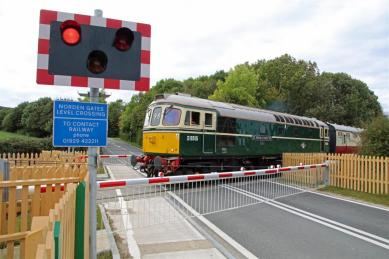 Westham_Level_Crossing_(open).jpg