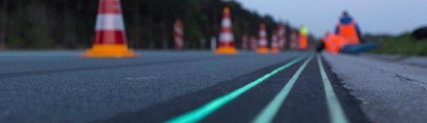 Smart-Highway-Glowing-Lines-Daan-Roosegaarde-3wp.jpg